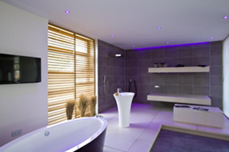 vitaled. Black Bedroom Furniture Sets. Home Design Ideas